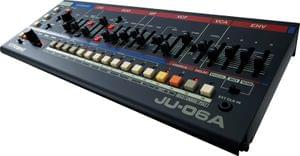 1598869798570-Roland JU 06A Boutique Sound Module Synthesizer4.jpg